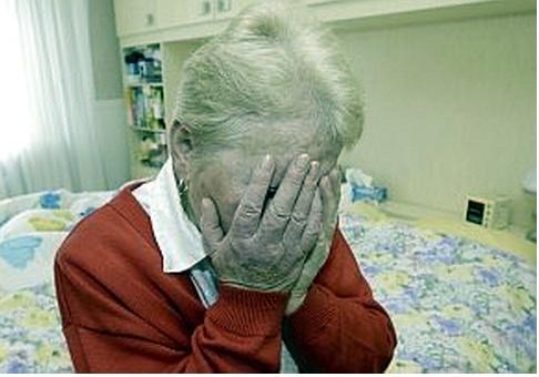 Michel Blogue/«Quand quelqu'un veut vivre, pourquoi dire 'c'est le temps de mourir?»/ 2012_08_09__13_33_maltraitances