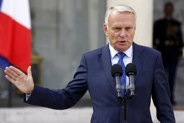 Le premier ministre Jean-Marc Ayrault signe une circulaire favorisant l'intégration de l'handicap dans les textes de loi