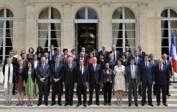 13 ministres sont annoncés autour de Jean Marc Ayrault