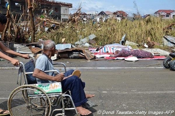 de l 39 aide pour les personnes d munies aux philippines infos vivre fm la radio du handicap. Black Bedroom Furniture Sets. Home Design Ideas