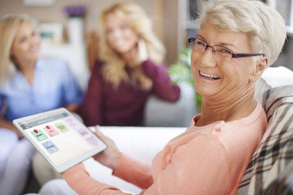 une tablette tactile au service des seniors infos vivre fm la radio du handicap. Black Bedroom Furniture Sets. Home Design Ideas