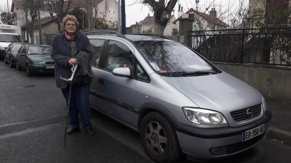 Ana passera-t-elle Noël dans sa voiture ?